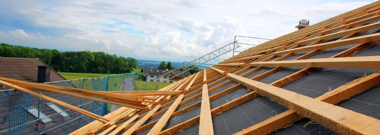 Vorbereitung eines Daches vor der Ziegelverlegung