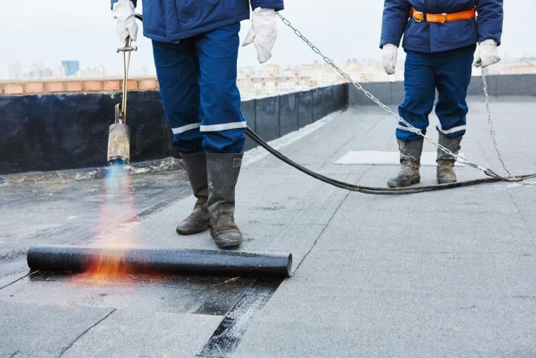 Bitumenschweißbahnen zur Abdichtung eines Flachdaches